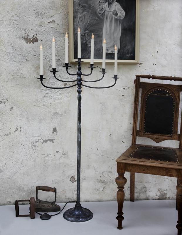 Led boden kerzenleuchter 7 flammig schwarz marmoriert for Boden ohne leisten