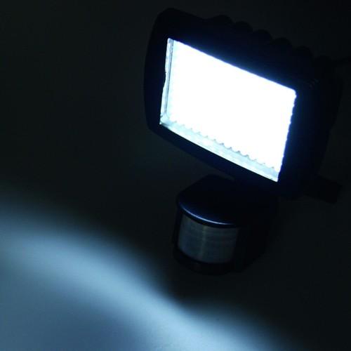 led au enleuchte mit bewegungsmelder 140 leds lampe ebay. Black Bedroom Furniture Sets. Home Design Ideas